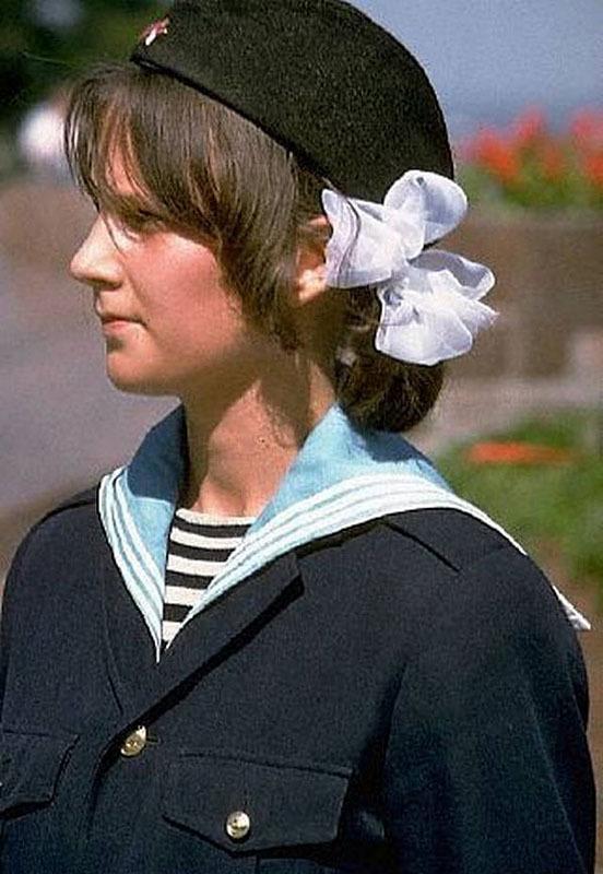 Одесса. Пионерка в почетном карауле. 1970. Автор Дин  Конгер.jpg