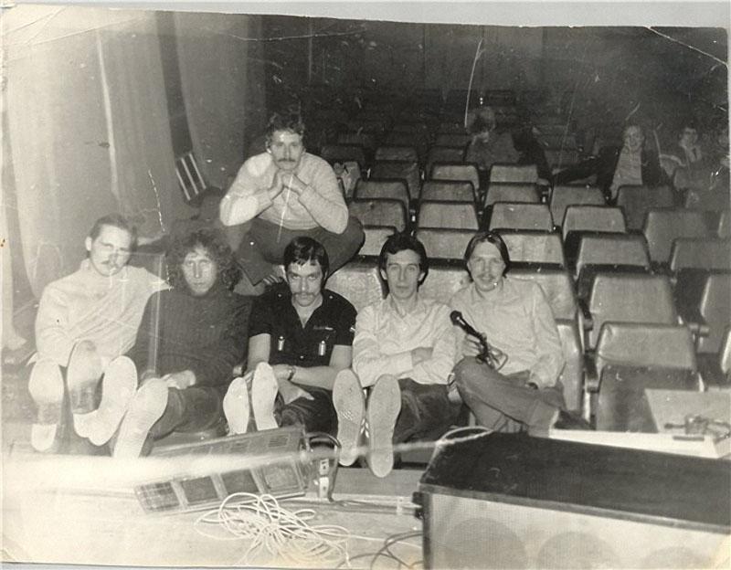 024 Г.   Сукачев  и группа Закат Солнца Вручную начало 80-х.jpg