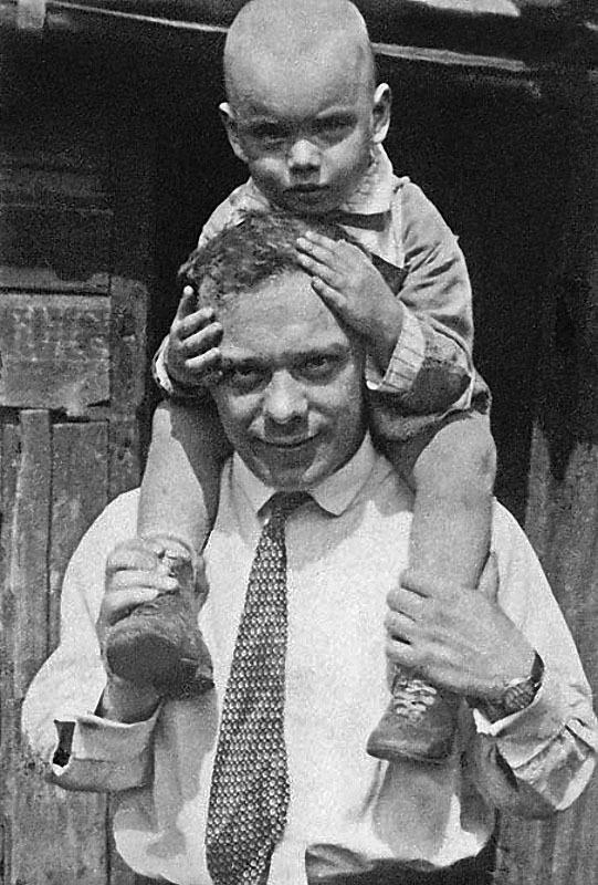 1178 Алеша Баталов с папой, Владимиром Петровичем, 1930 год.jpg