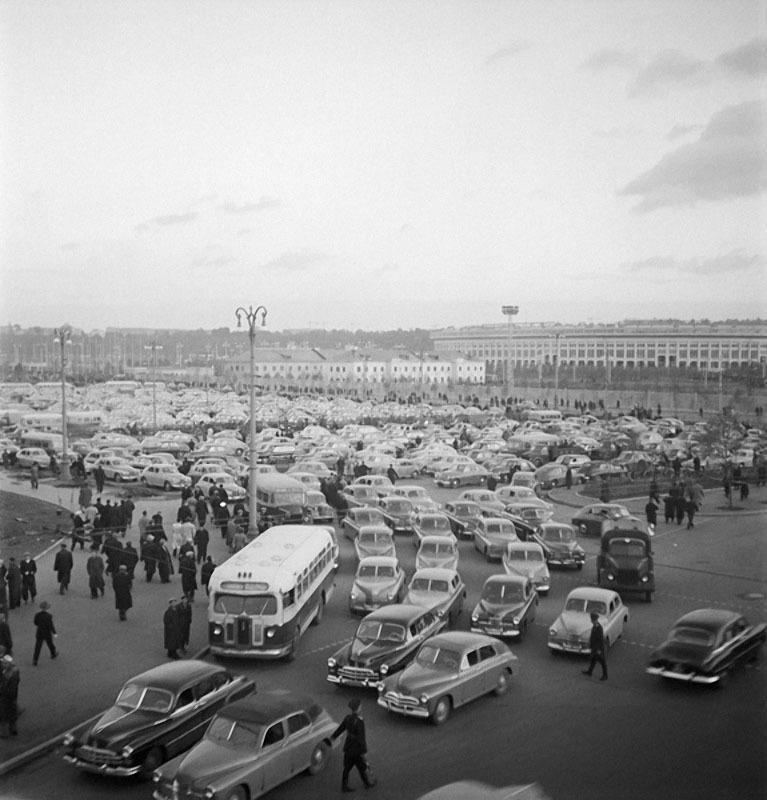 Москва. Стадион Лужники. Автор Волков Эрвин, 1950.jpg