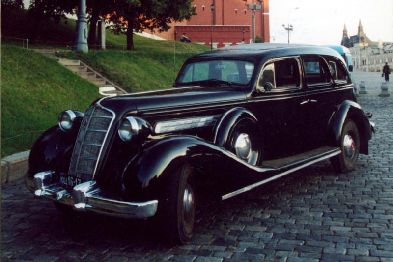 Легковой автомобиль ЗИС-101 (1936), СССР.jpg