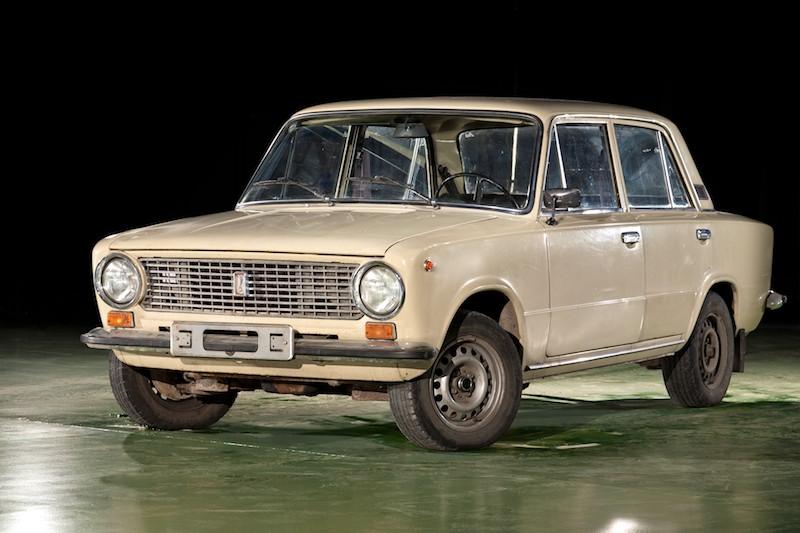 Легковой автомобиль ВАЗ-21011 (1974-1988).jpg