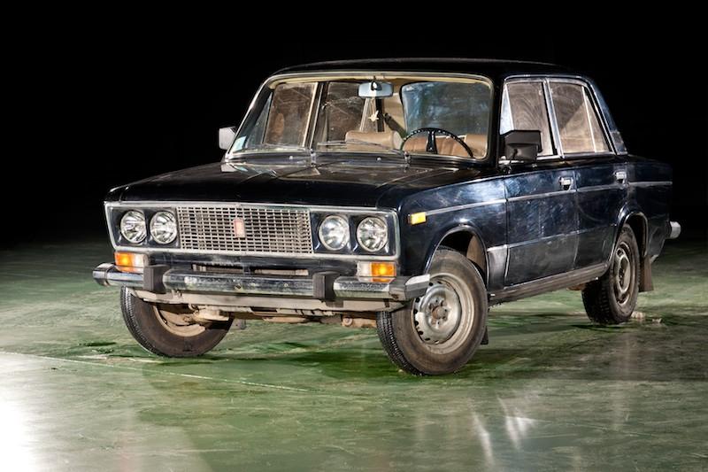 Легковой автомобиль ВАЗ-2106 (1976-2001).jpg
