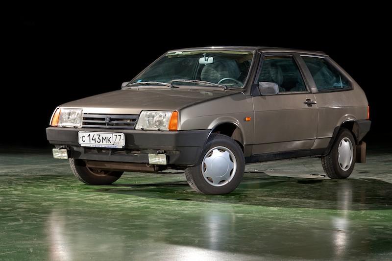 Легковой автомобиль ВАЗ-2108 (1984-2003).jpg