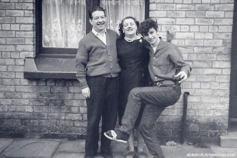 1165 Ринго Старр с родителями.jpg
