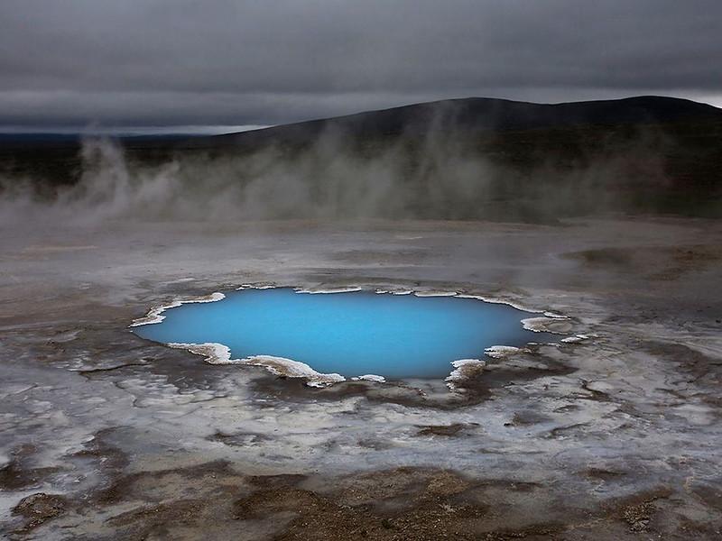 Кварцевый пруд, Исландия. Горячая вода в нем как будто светится. (David Remacle, Your Shot)