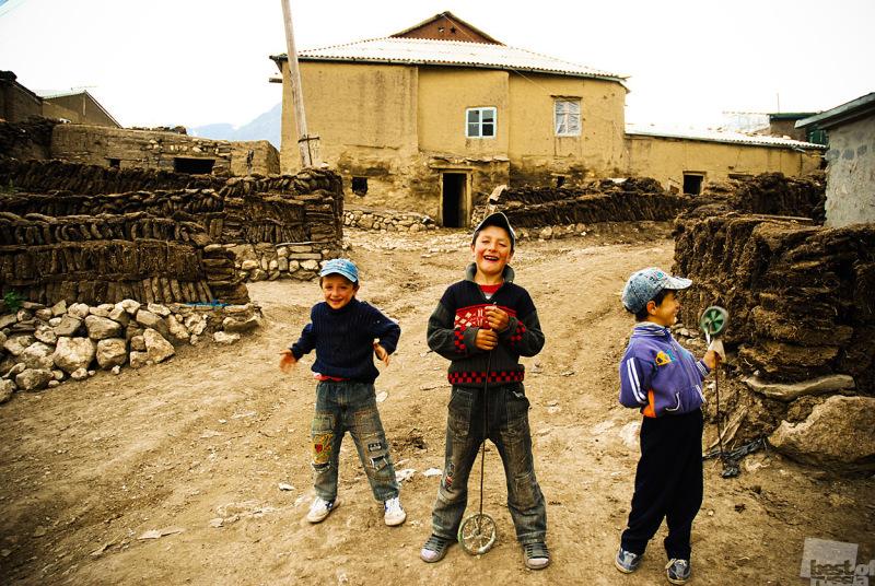 Мальчишки из Куруша. Автор Алексей Бондаренко.jpg