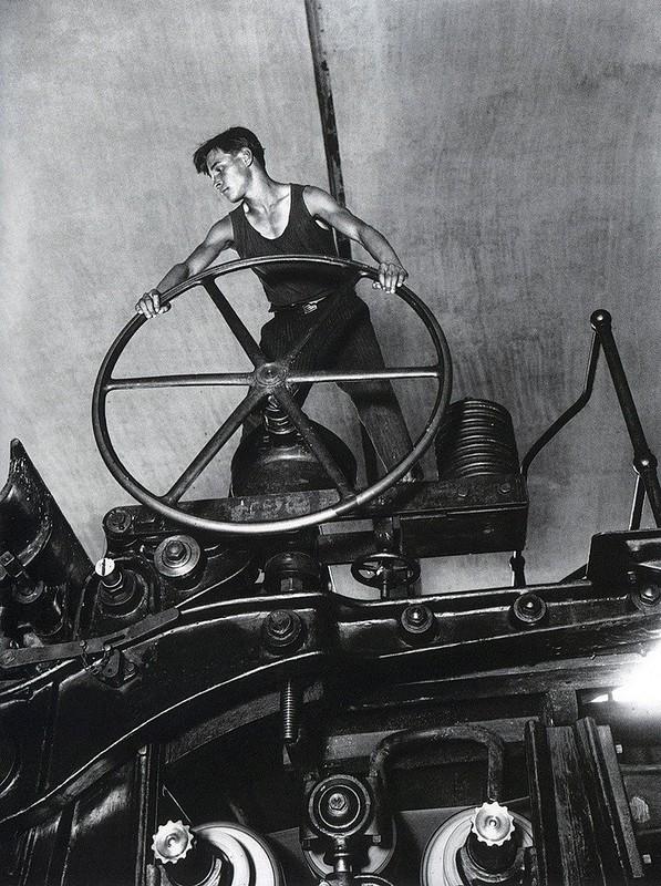 2 Аркадий Шайхет «Комсомолец у руля»  1930-e.jpg