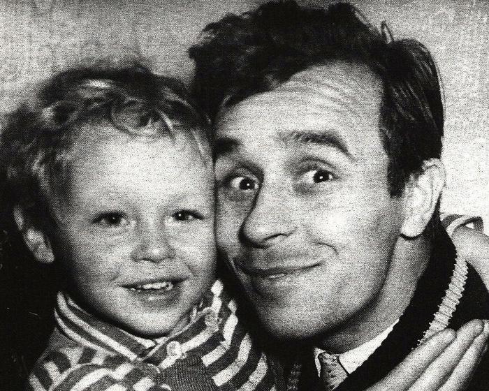 1071 Олег Борисов с сыном Юрой.jpg