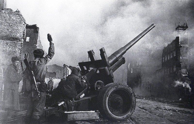 Данциг. Уличный бой. 1945 г.jpg