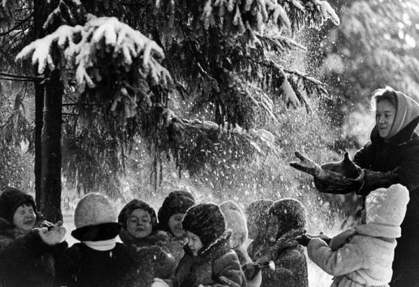 Снежный душ. Автор Бородулин Лев, 1960.jpg