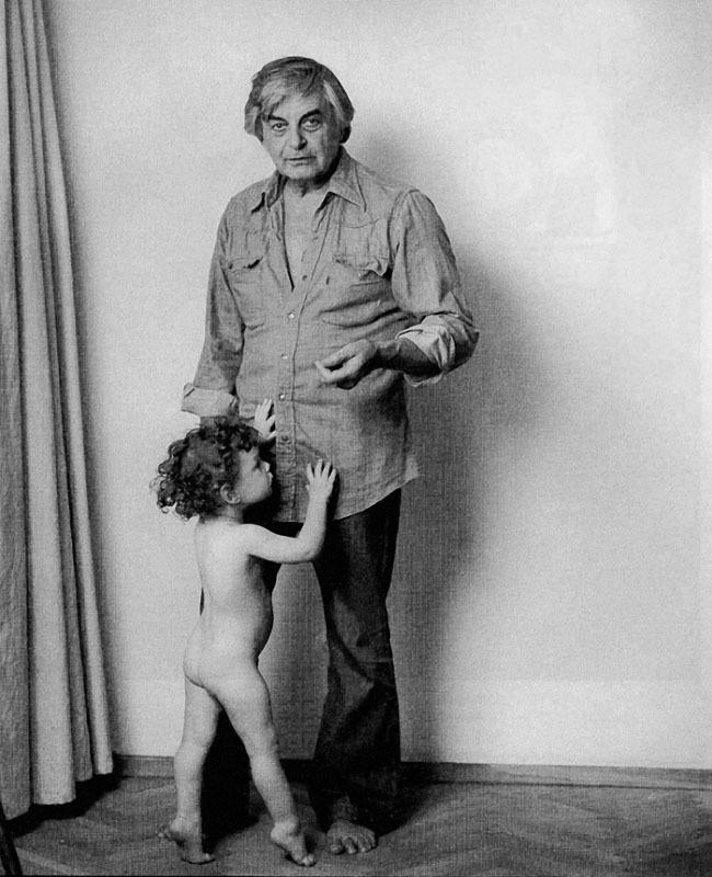 Юрий Любимов и сын, 1981.JPG