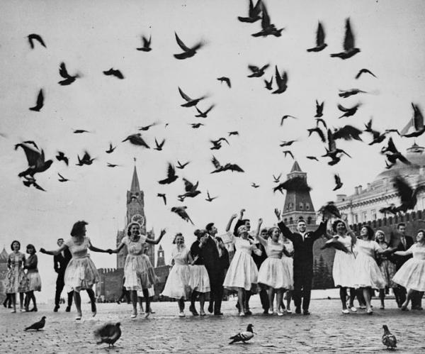 Владимир Лагранж  Голуби мира, 1962.jpg