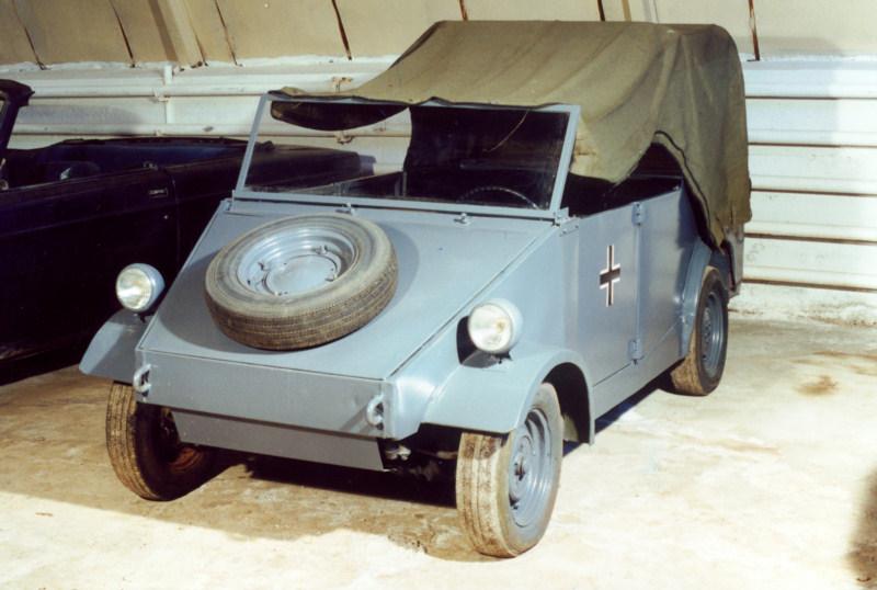 Автомобиль повышенной проходимости Volkswagen Тур 82 (Kübelwagen) (1939), Германия.jpg