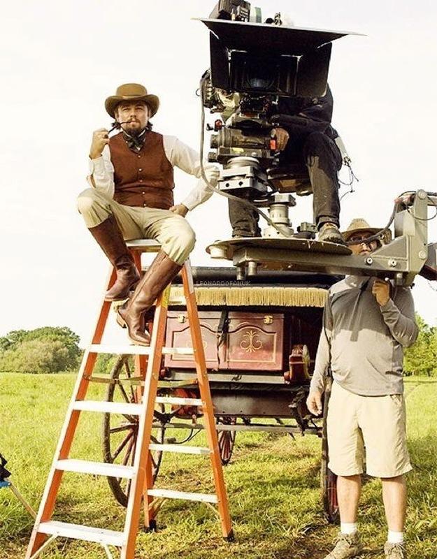 «Джанго освобожденный» Лео отдыхает на стуле режиссера.jpg