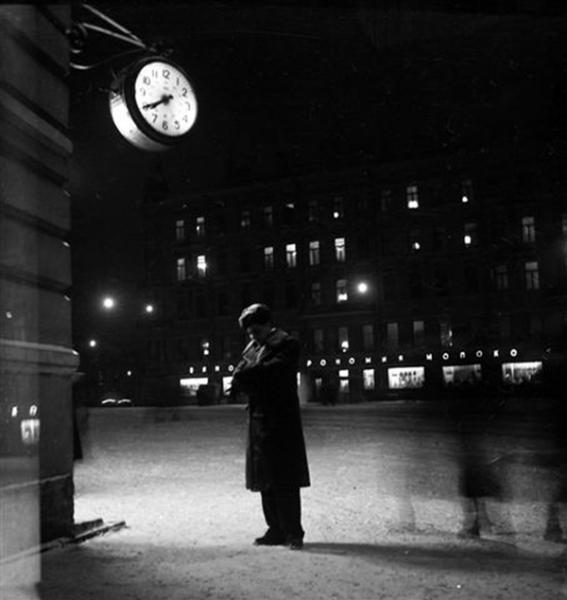 Мы оба ждали, я у аптеки..., 1956.jpg