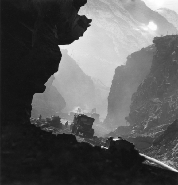 На строительстве Нурекской ГЭС, 1967.jpg