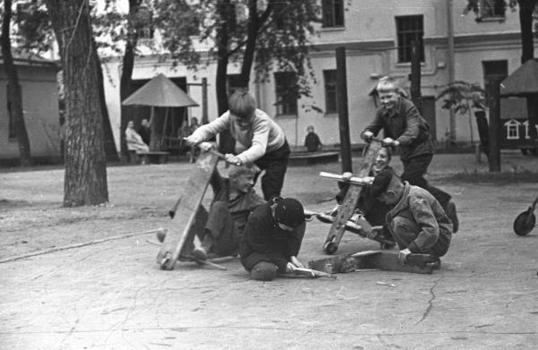 Байкеры 50-х. Автор Богданов Владимир, 1950-e.jpg