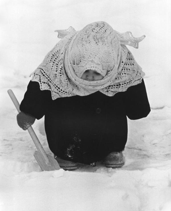 Бабуся. Автор Лагранж Владимир, 1961.jpg