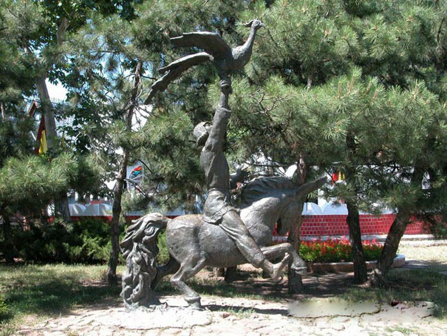 236 памятник коньку-горбунку в николаеве