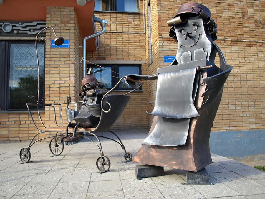 241 памятник мойдодыру в Новгороде