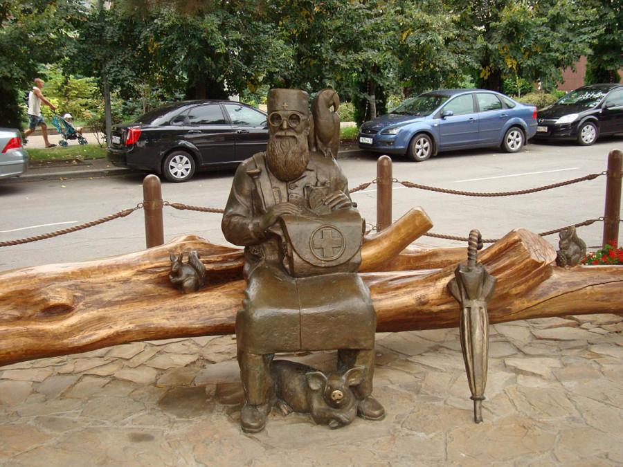 246 памятник Айболиту в Анапе