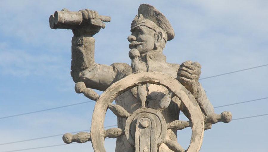 249 памятник Врунгелю в Петропавловске