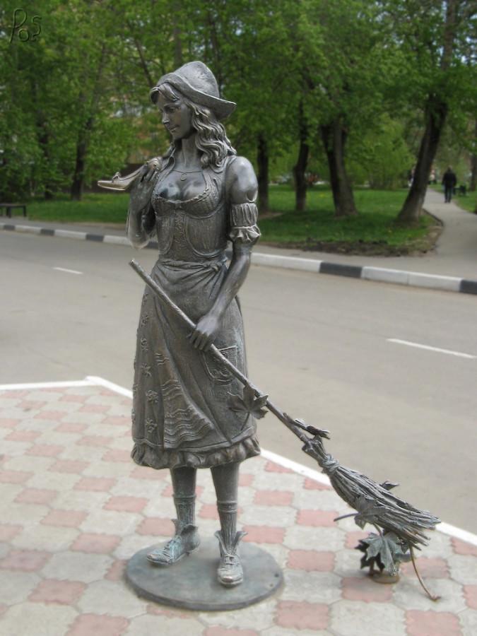 255 памятник Золушке в  Долгопрудном