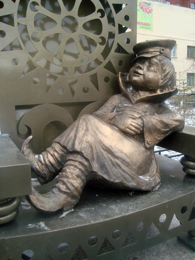 256 Памятник Вовке из Тредевятого царства в Новосибирске