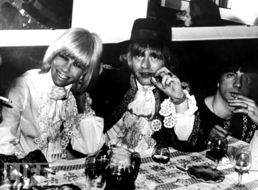 363 Брайан Джонс и Анита Палленберг - 1967