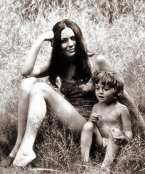 1085 Галина Шаповалова с дочерью Машей (Анжеликой) Варум.jpg