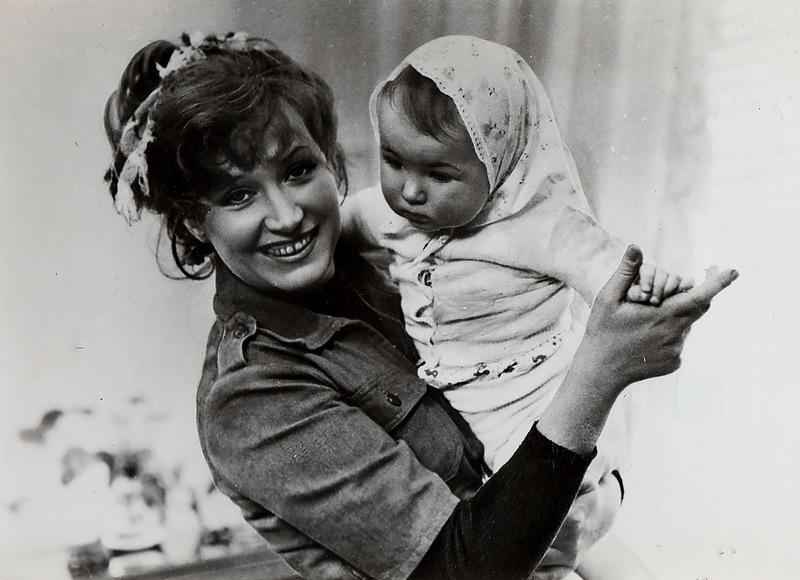 1062 Кристина Орбакайте с мамой, Аллой Борисовной.jpg