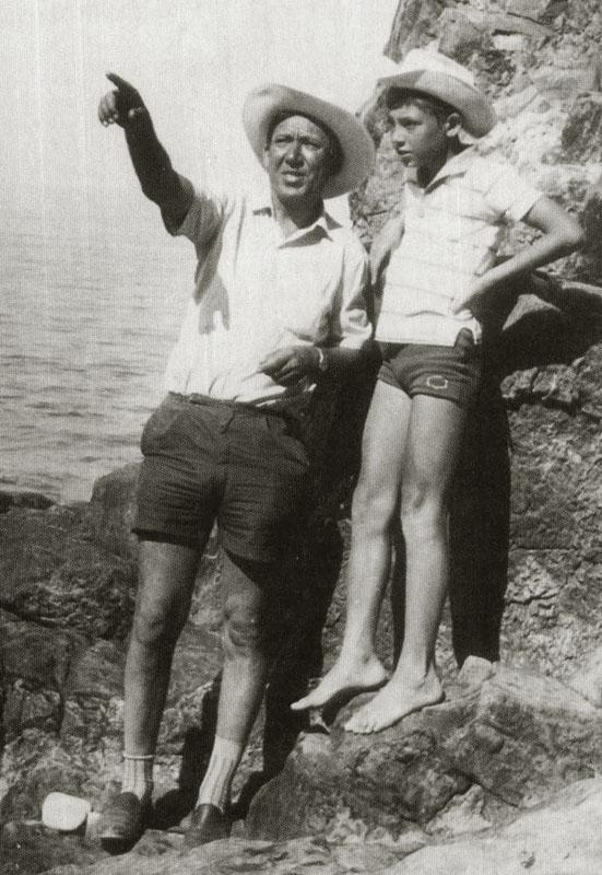 1065 Юрий Никулин с сыном Максимом на съемках фильма Бриллиантовая рука, 1968 год.jpg