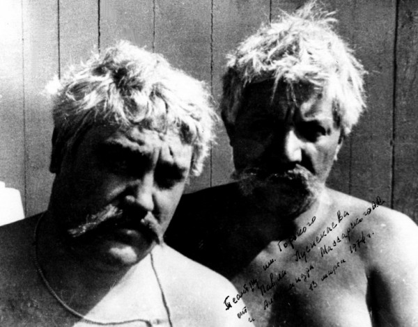 011 П.Луспекаев и его дублер А.Массарский на съемках фильма «Белое солнце пустыни»