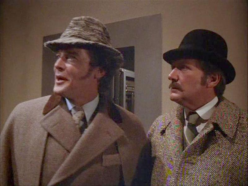 1976 г. Шерлок Холмс в Нью-Йорке. В роли Холмс Роджер Мур.jpg