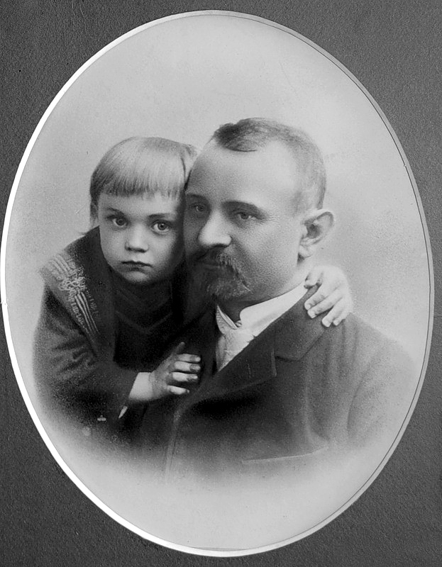 1006 Боря Чирков с папой Петром Петровичем.jpg