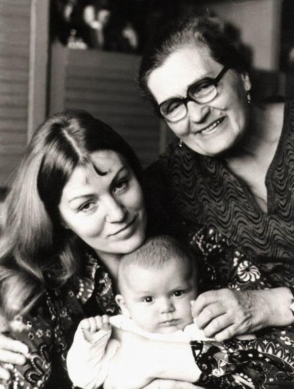 1020 Анна Герман с сыном Збышеком и мамой Ирмой Давыдовной.jpg