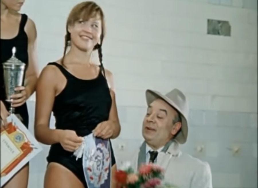 Ещё восемь красавиц советского кино в купальниках советское кино