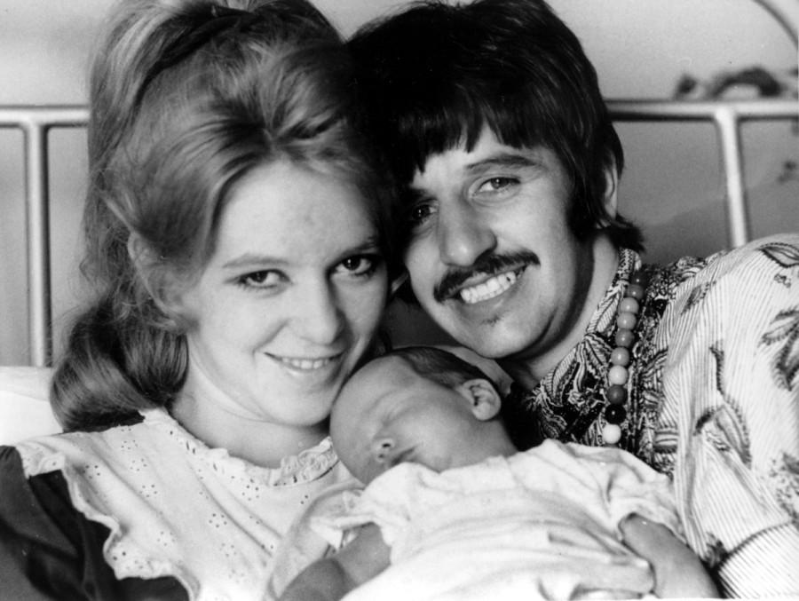 018 Ринго, Морин, и их второй сын, Джейсон, 1967.