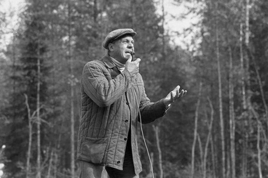 Почему Владимир Меньшов снял Любовь и голуби
