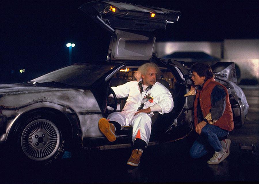 """Как изначально должна была выглядеть в """"Назад в будущее"""" машина времени"""