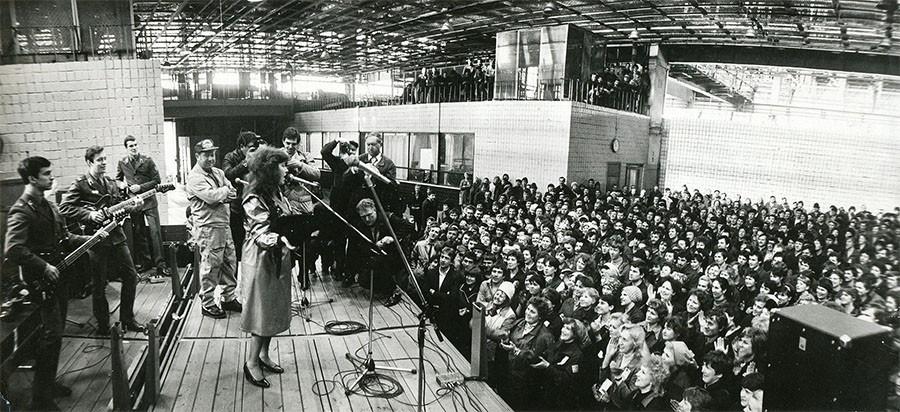 Редкие и интересные фото советских знаменитостей. Алла Пугачёва