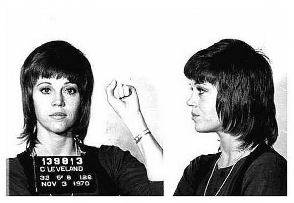 Джейн Фонда (Jane Fonda) – 1970  (контрабанда наркотиков, нападение на полицейского)