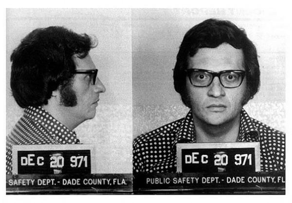 Ларри Кинг (Larry King) – 1971  (В декабре 1971 года он был арестован по подозрению в махинациях с деньгами)