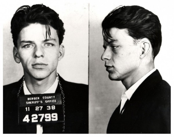 Фрэнк Синатра, 23 года. Арестован по обвинению в соблазнении. Нью-Джерси, 1938 год