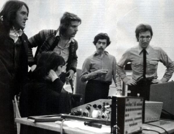 010 Запись альбома «15» группы «Урфин Джюс». Кормильцев — крайний справа. Свердловск, апрель 1982 года