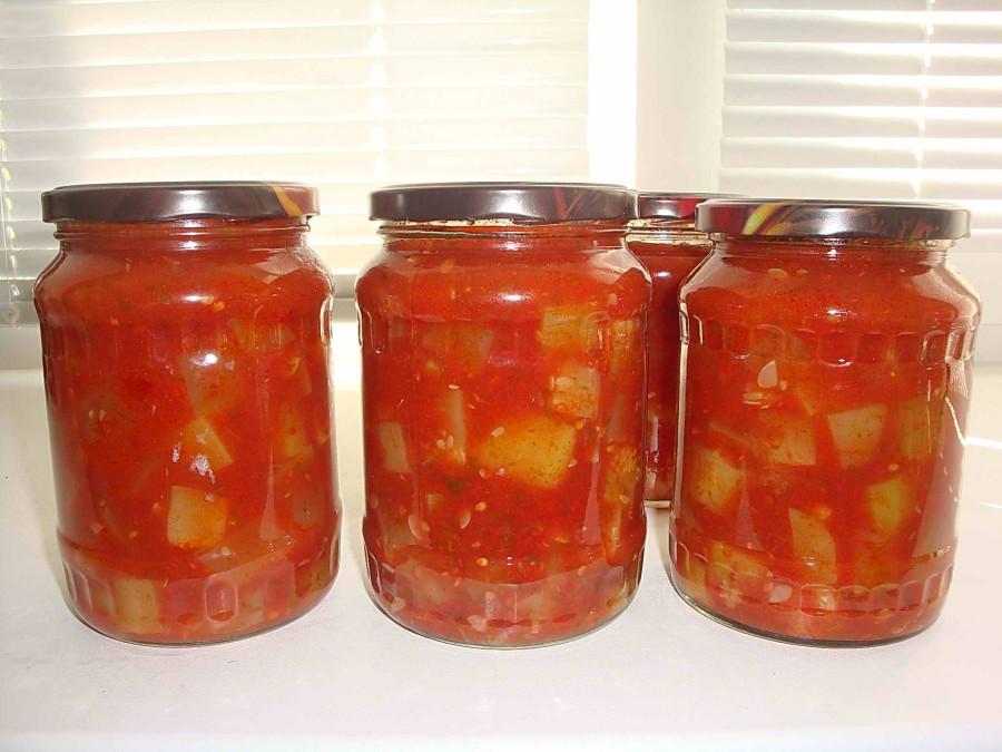Салат из помидоров в томатном соке на зиму