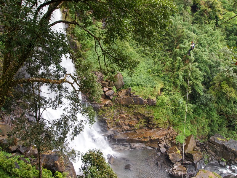 Катание на зипах над этим самым водопадом (будет отдельный пост об этом)