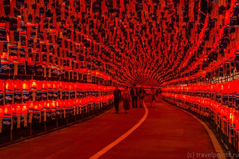 Улица на фестивале фонарей