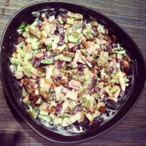 Салат с сухариками и фасолью рецепт с с черным хлебом